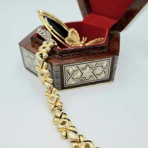 Jewelry - Vintage gold-tone chunky bracelet